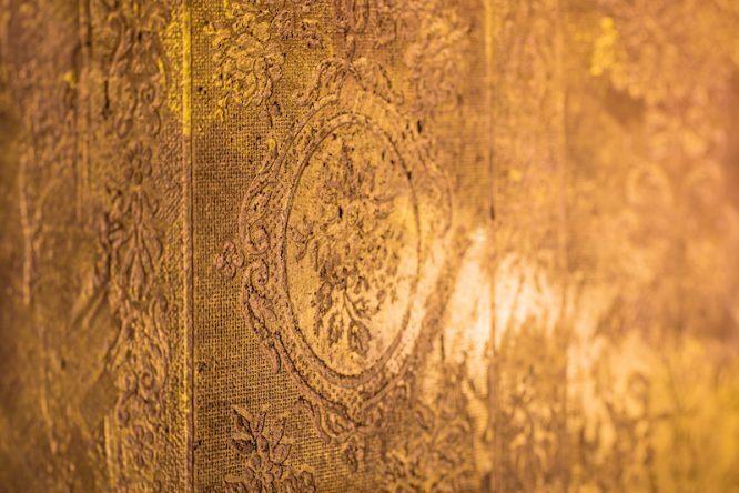 Wandornament gold