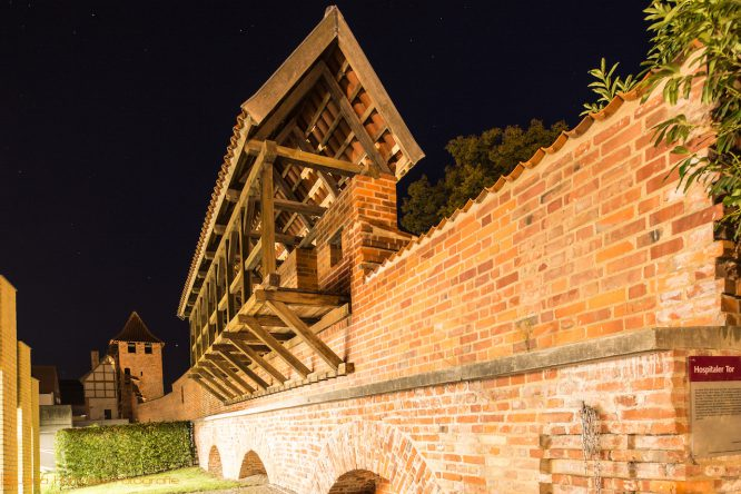 Region Ostsee - Stralsund Nachtansicht Stadtmauer